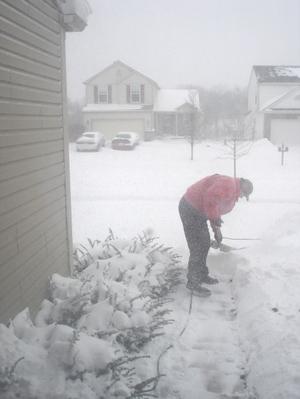 Jon_shoveling